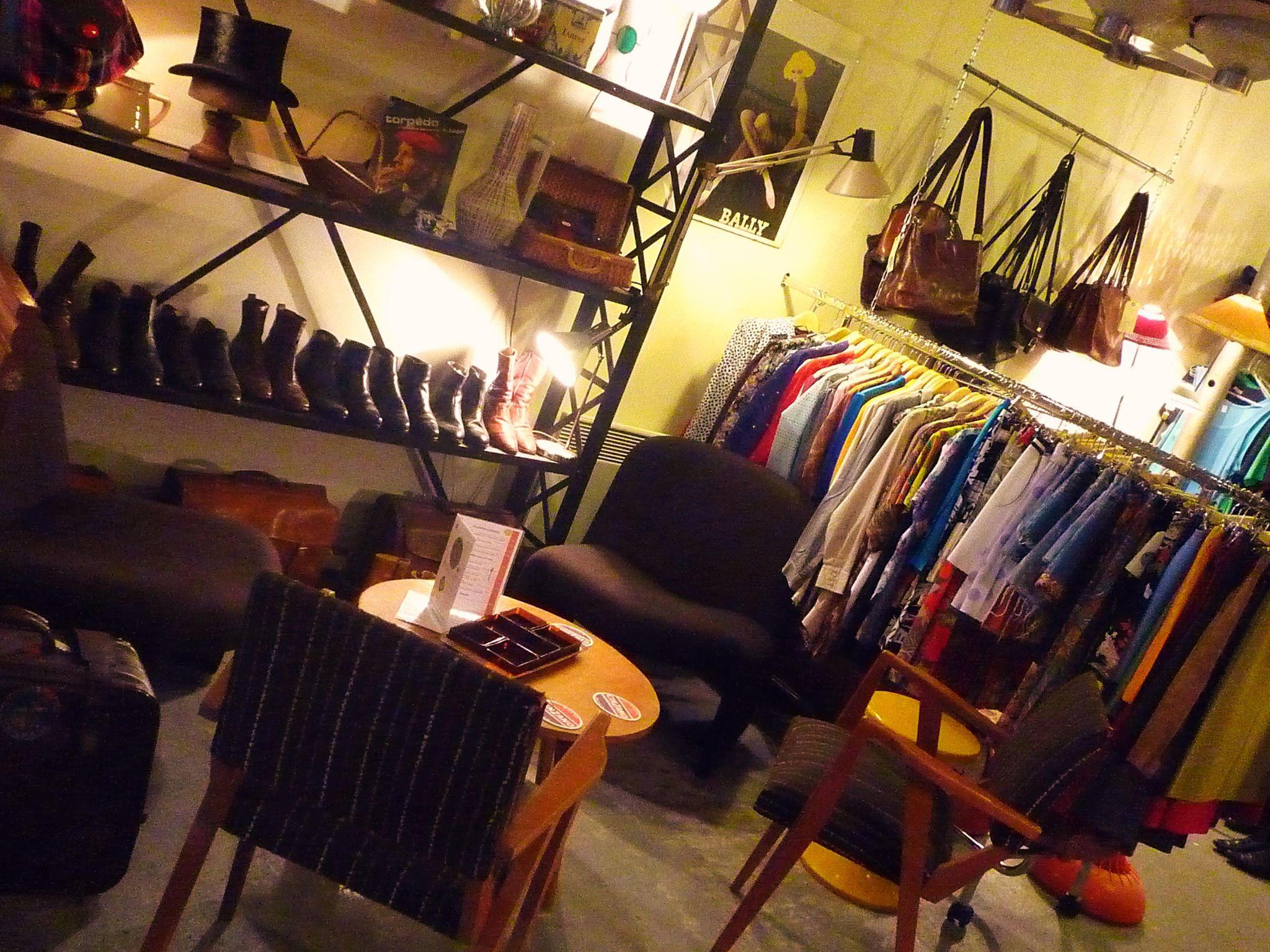 funny vintage une boutique tr s sympa dans le vieux lille les cachotteries de lille. Black Bedroom Furniture Sets. Home Design Ideas